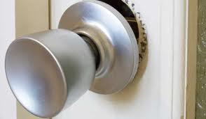 loose door knob